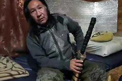 Шедшему к Путину шаману вернули меч