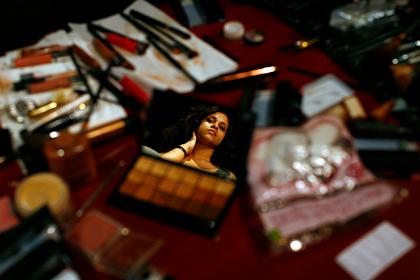 Опасный макияж подержанной косметикой станет трендом в 2020 году