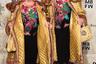На одном из показов, а именно бренда Odeeh, присутствовала весьма интересная пара. Ева и Адель (Eva & Adele) утверждают, что «приземлили свои машины времени» в Берлине после падения стены в 1989 году. Судя по их внешнему виду, вполне вероятно, что так оно и есть. Известные своими художественными перформансами, они отказываются раскрывать свои настоящие имена и возраст. А на Неделе моды пара появилась в образах состоятельных российских пенсионерок.