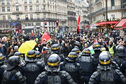 Во Франции 187 тысяч человек вышли на акцию протеста против пенсионной реформы