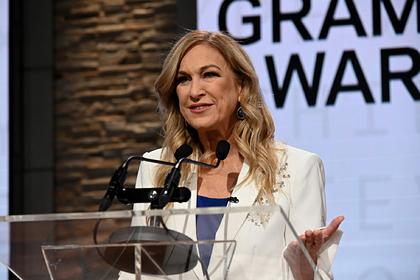 Первую женщину-президента «Грэмми» уволили из-за переворота