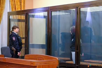 Россиянку осудили на 13 лет тюрьмы за смерть ребенка в запертой квартире