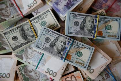 Банк Порошенко обязали вернуть взятые у Януковича миллионы