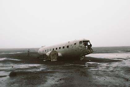 Туристы умерли в 150 метрах друг от друга на месте крушения самолета