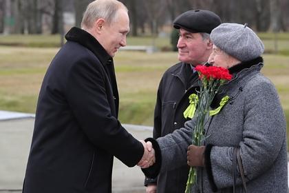 Путин пообещал выплатить ветеранам по 75 тысяч рублей к 75-летию Победы