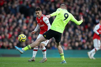 «Арсенал» на своем поле упустил победу над новичком АПЛ