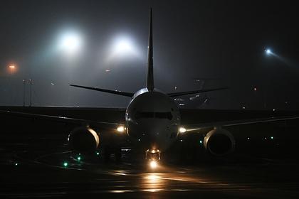 Самолет совершил вынужденную посадку в российском аэропорту