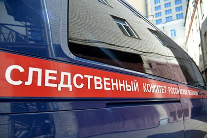 Россиянин упал с пятого этажа вместе с трехлетней дочерью