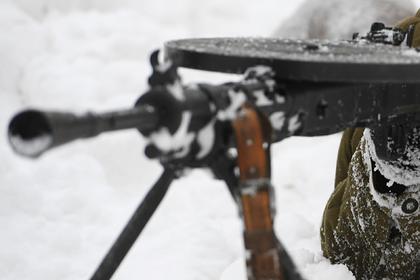 В Петербурге в кустах нашли спящего в обнимку с пулеметом человека