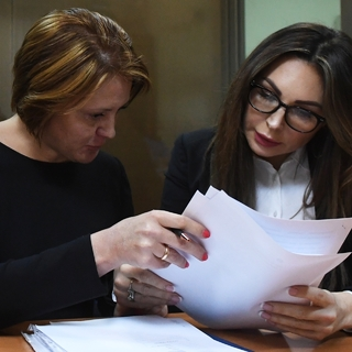 Наталья Бочкарева (справа)