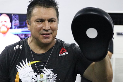 Тренер Нурмагомедова восхвалил Макгрегора после победы за 40 секунд