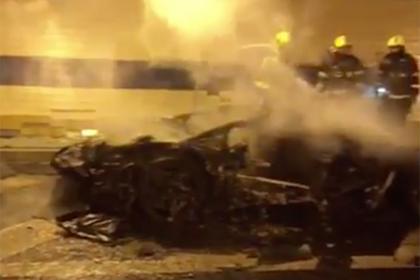 Сгоревшая дотла в тоннеле машина за сто миллионов рублей попала на видео