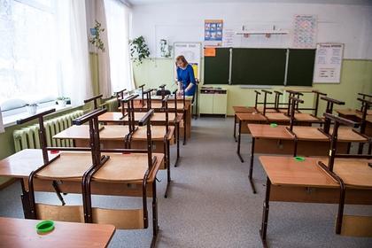 Учителей предложили обязать хранить педагогическую тайну
