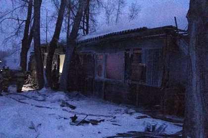 В крупном пожаре в российском поселке погибли десять человек