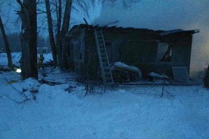 Число погибших в крупном пожаре в российском поселке выросло
