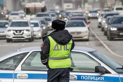 Автобус с российскими школьниками столкнулся с автомобилем и перевернулся