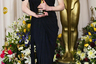 Некоторые платья Готье, кажется, разрабатывались специально для того, чтобы гордо подниматься на сцену за наградой. В одном из них появилась и Николь Кидман на премии Оскар в 2003 году, получив статуэтку за роль Вирджинии Вулф в фильме «Часы».