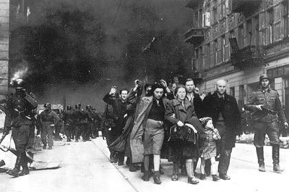 Польша призвала Путина рассказать правду о холокосте