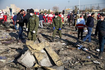 Иран попросили поскорее отдать черные ящики сбитого самолета
