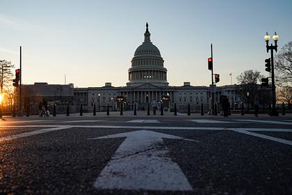 Сенаторов США научили бороться с назойливыми журналистами