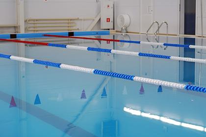 Запрет посещений бассейна для женщин в российском регионе объяснили