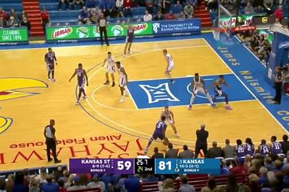 Американские баскетболисты устроили массовую драку во время матча