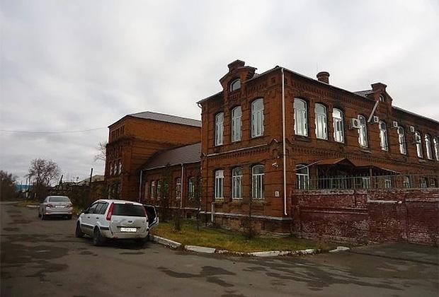Здание ликеро-водочного завода в Верхнеуральске