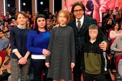 Беременная от 10-летнего россиянина семиклассница рассказала об их любви