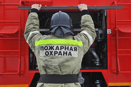 Российский пожарный погиб при взрыве газового баллона в горящем здании