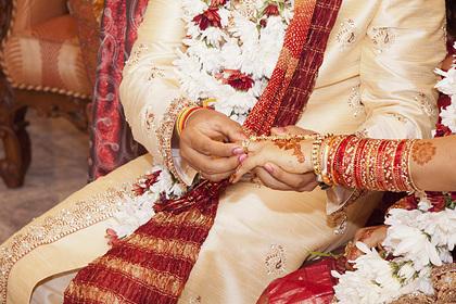 Сбежавшие вместе отец жениха и мать невесты сорвали свадьбу детей