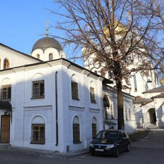 Территория Зачатьевского монастыря
