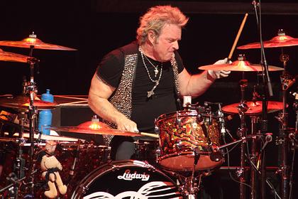 Барабанщик Aerosmith подал в суд на группу