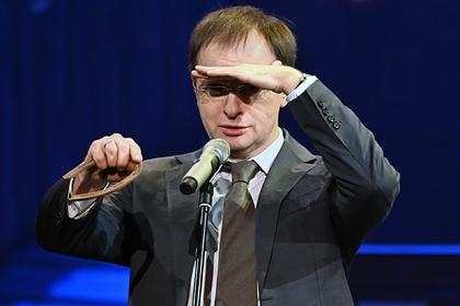 Путин пообещал не оставить Мединского без работы