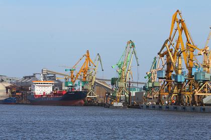 Танкер с норвежской нефтью для Белоруссии задержался