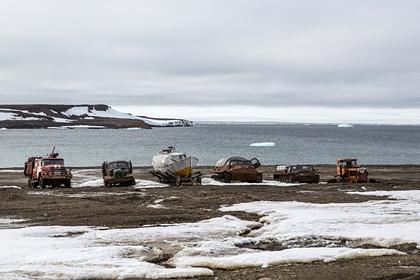 Десятки погибших в экспедициях полярников захоронили рядом с Антарктидой