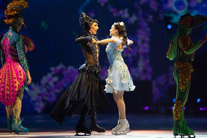 Татьяна Навка и Алина Загитова (справа)