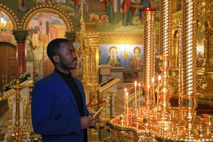 Иностранные учащиеся посетили храм святой Татьяны в Когалыме перед днем студента