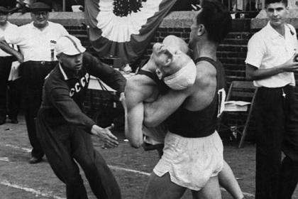 Бегуны теряли сознание и падали замертво: кому был нужен «забег смерти» спортсменов из СССР и США