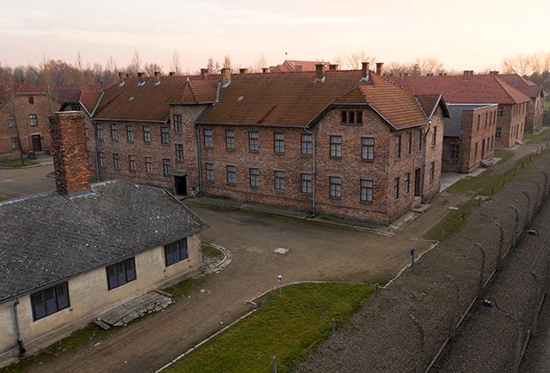 Здания бывшего концлагеря Освенцим в Польше