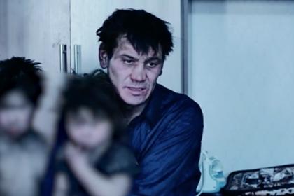 Россиянин с четырьмя детьми объяснил проживание в заброшенном доме