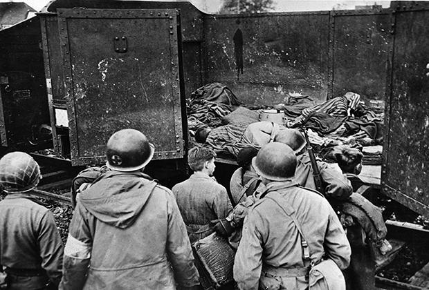 Заключенные, умершие в поездах во время перевозки, 1945 год