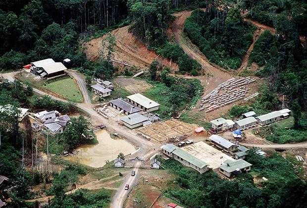 Рудник Bre-X у истока Бусанга