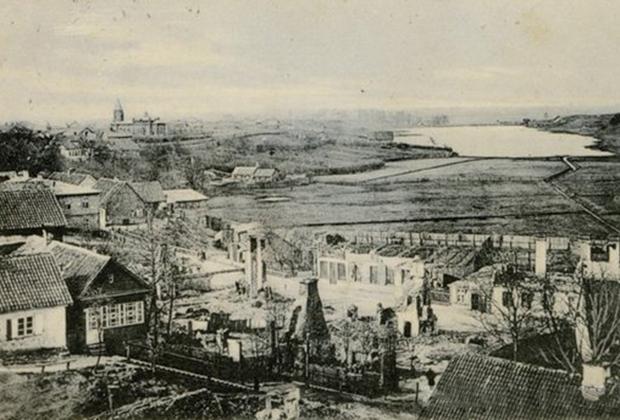 Разрушенный Талси после подавления восстания 1905 года.