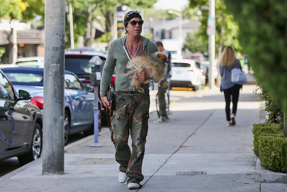 «Выйдешь на Франклин-авеню, а там Микки Рурк с собачкой прогуливается»
