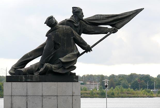 Памятник борцам революции 1905 года в Риге.