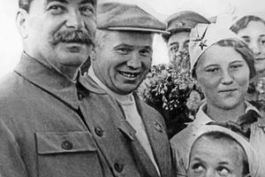 Сталин и Хрущев на аэродроме в Щелково, 1936 год
