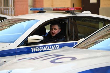 Полицейским Москвы и Петербурга установили надбавки за особо сложную службу