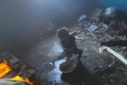 Живший с четырьмя детьми в заброшенном доме россиянин оказался не их отцом