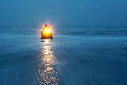 В России двое мужчин провалились под лед и погибли