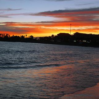 Закат на пляже. Остров Тенерифе.